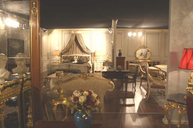 Vimercati-Classic-Furniture-Showroom-2
