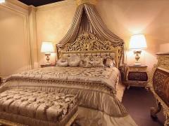 Arredi classici di lusso: camera da letto Emperador stile Luigi XV