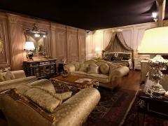 Arredi classici di lusso: showroom mobili artigianali made in Italy