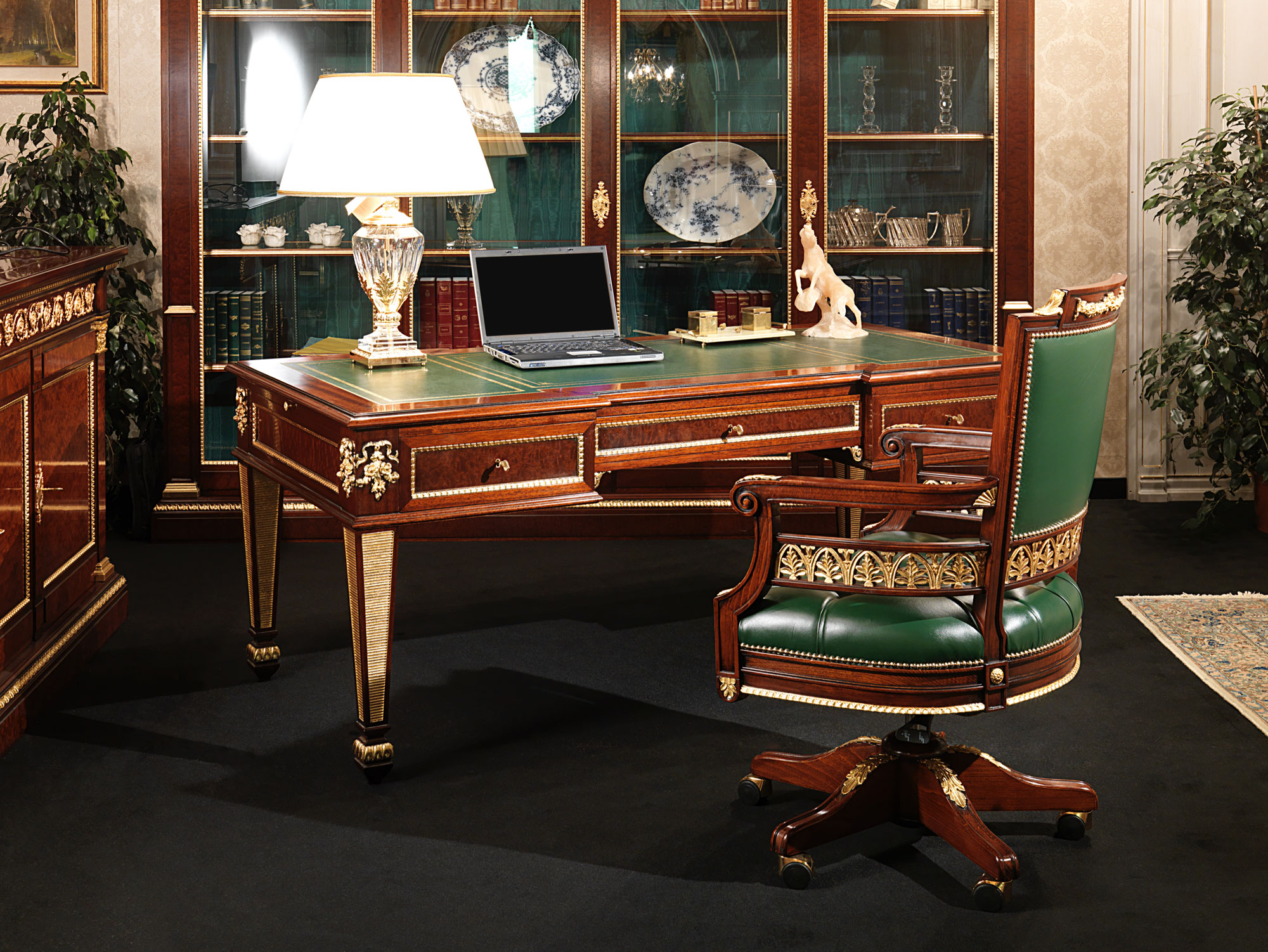 Luxury office furniture in classic style for Upscale home office furniture