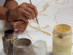 Produzione mobili classici: decorazione