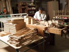 Mobili artigianali classici: lavorazione del legno
