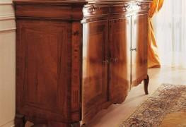 Credenza classica in legno