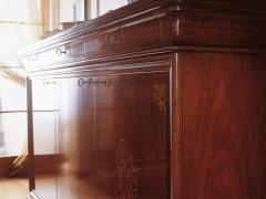 Classic bureau inlaid