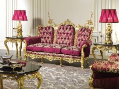 Sofas in style and baroque elegance
