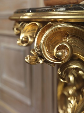 Console in baroque style, gold leaf
