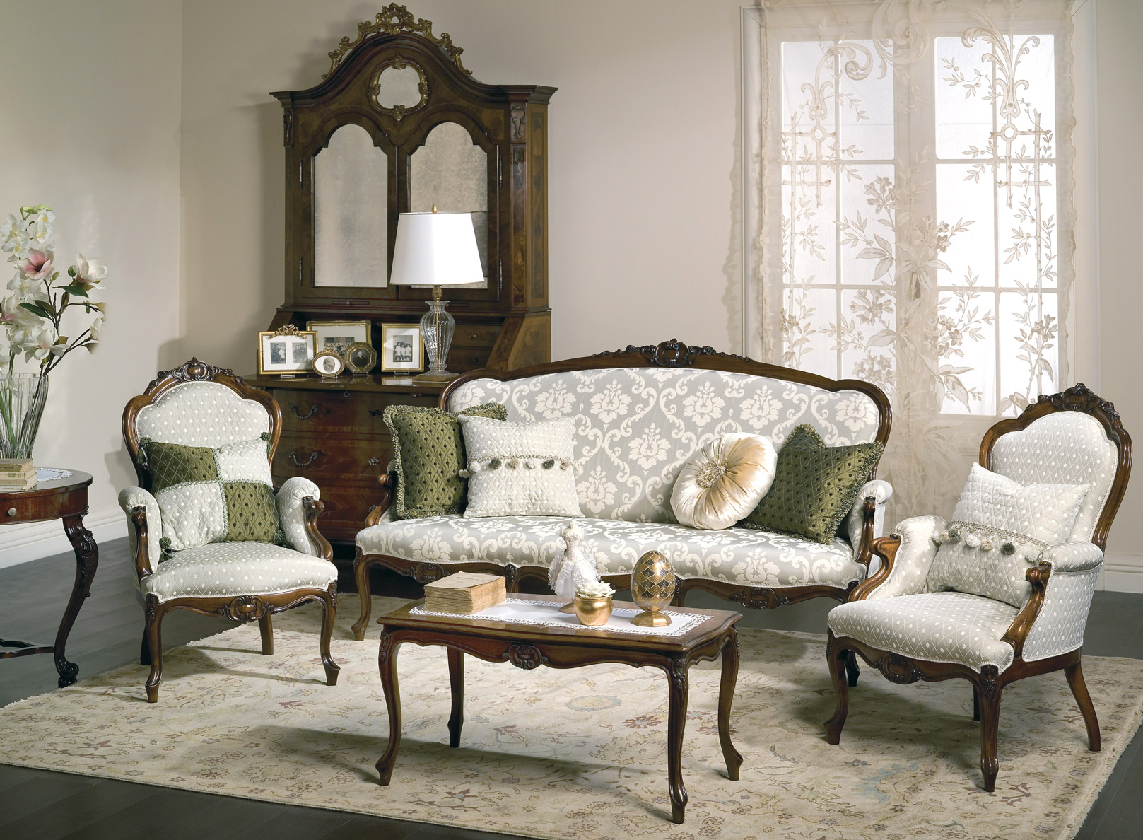 Classy Sofas For Elegant And Luxury Living Rooms