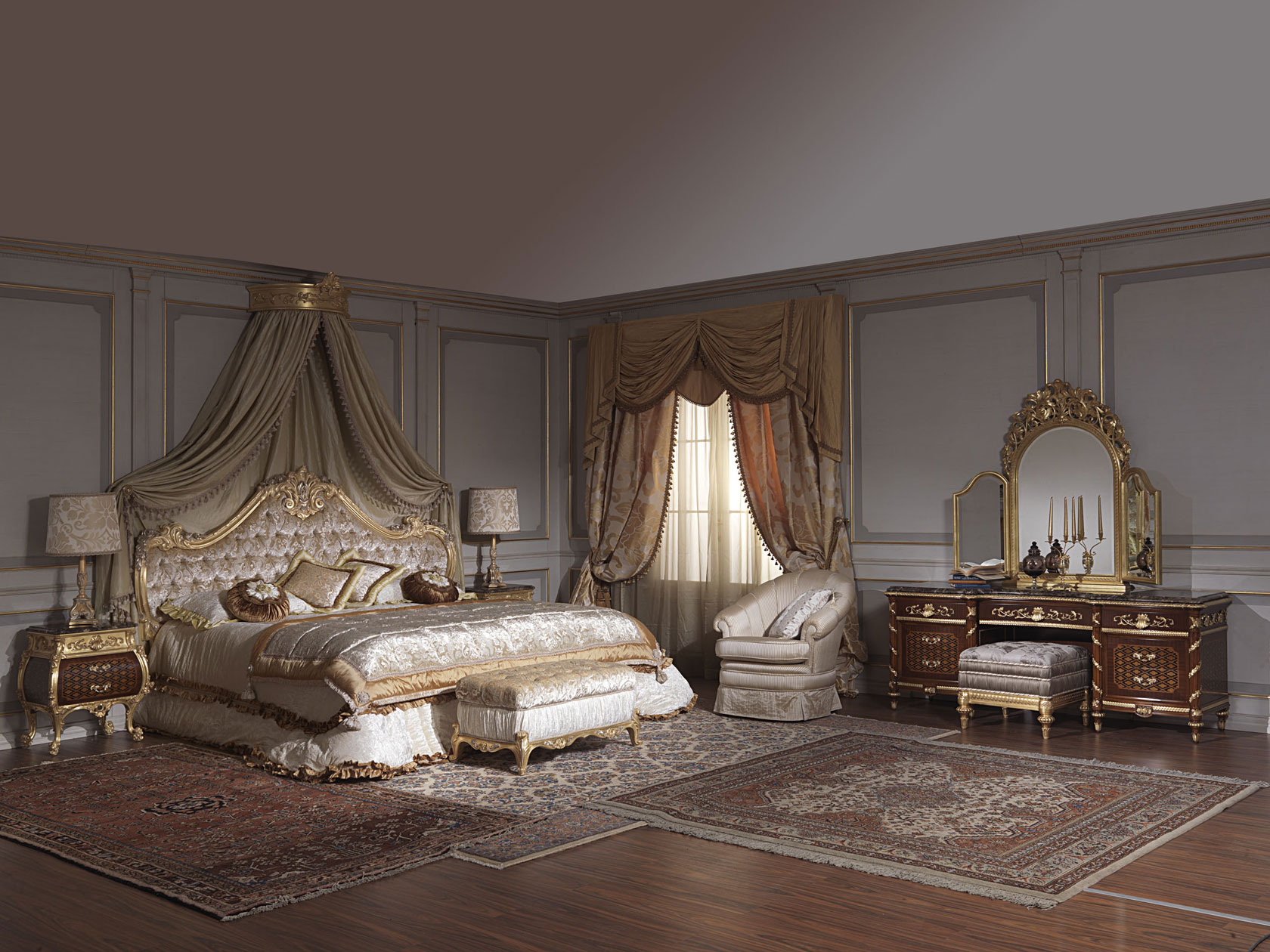Classic Bedroom Italian 18th Century And Louis Xv