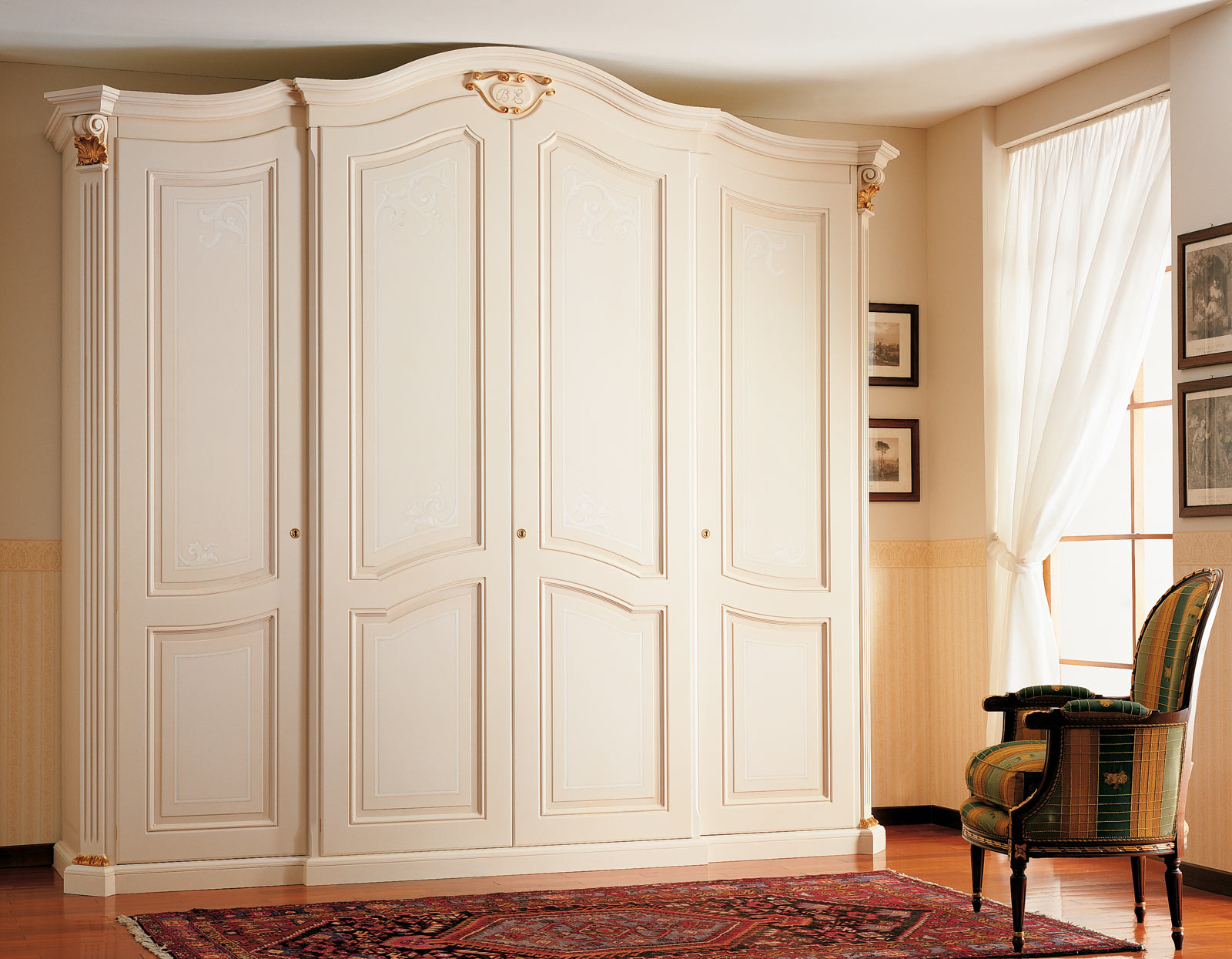 armoire xviiie si cle quatre portes vimercati classic. Black Bedroom Furniture Sets. Home Design Ideas