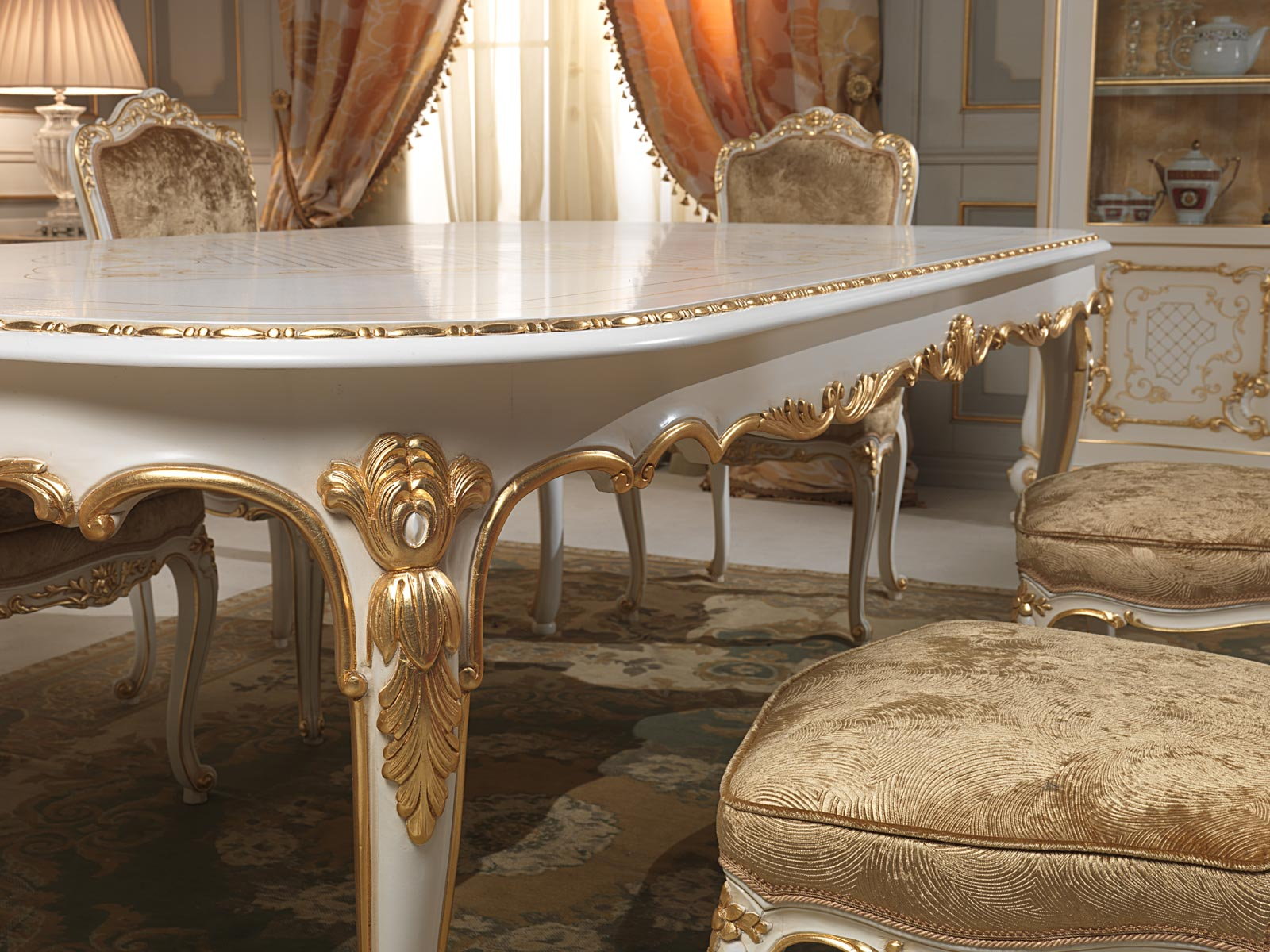 Dining table in louis xv style particular of the carvings vimercati classic furniture - Table louis xv ...