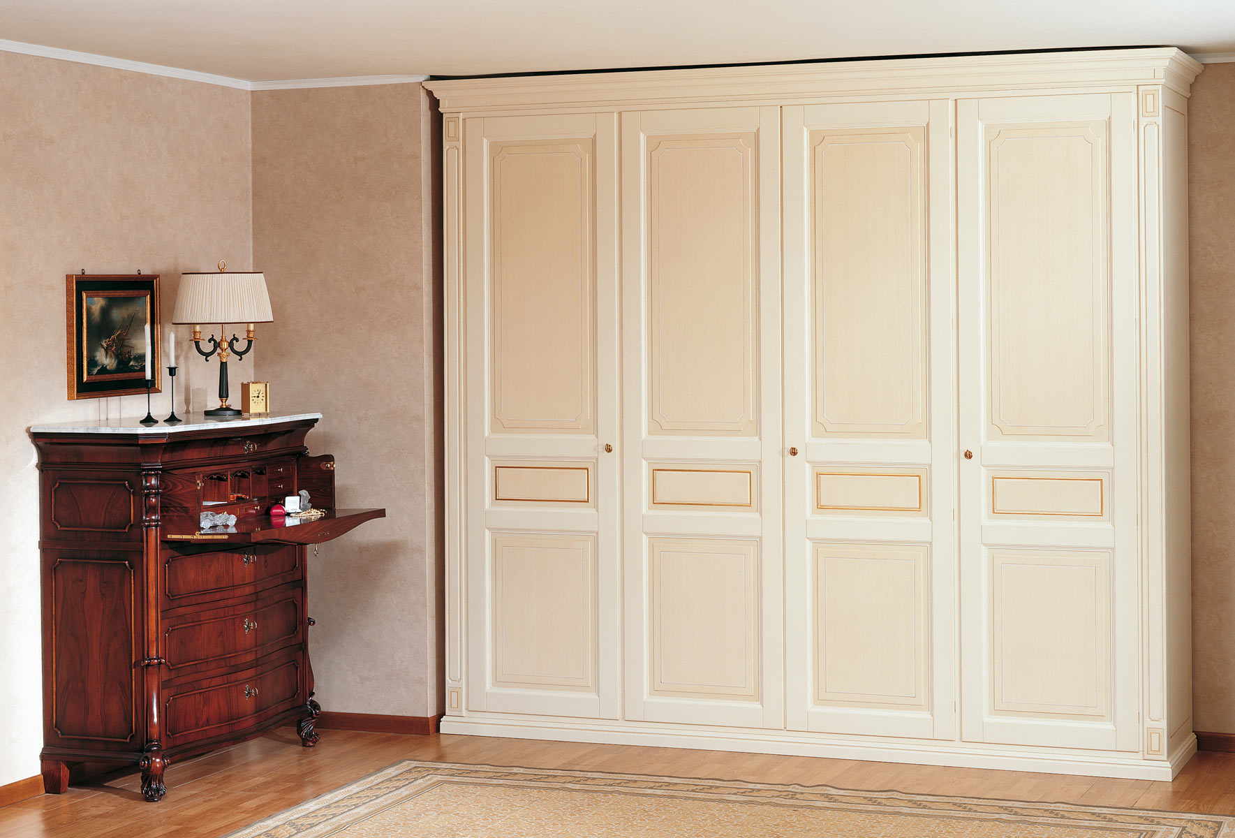 Classic Wardrobe With Pillars Vimercati Classic Furniture