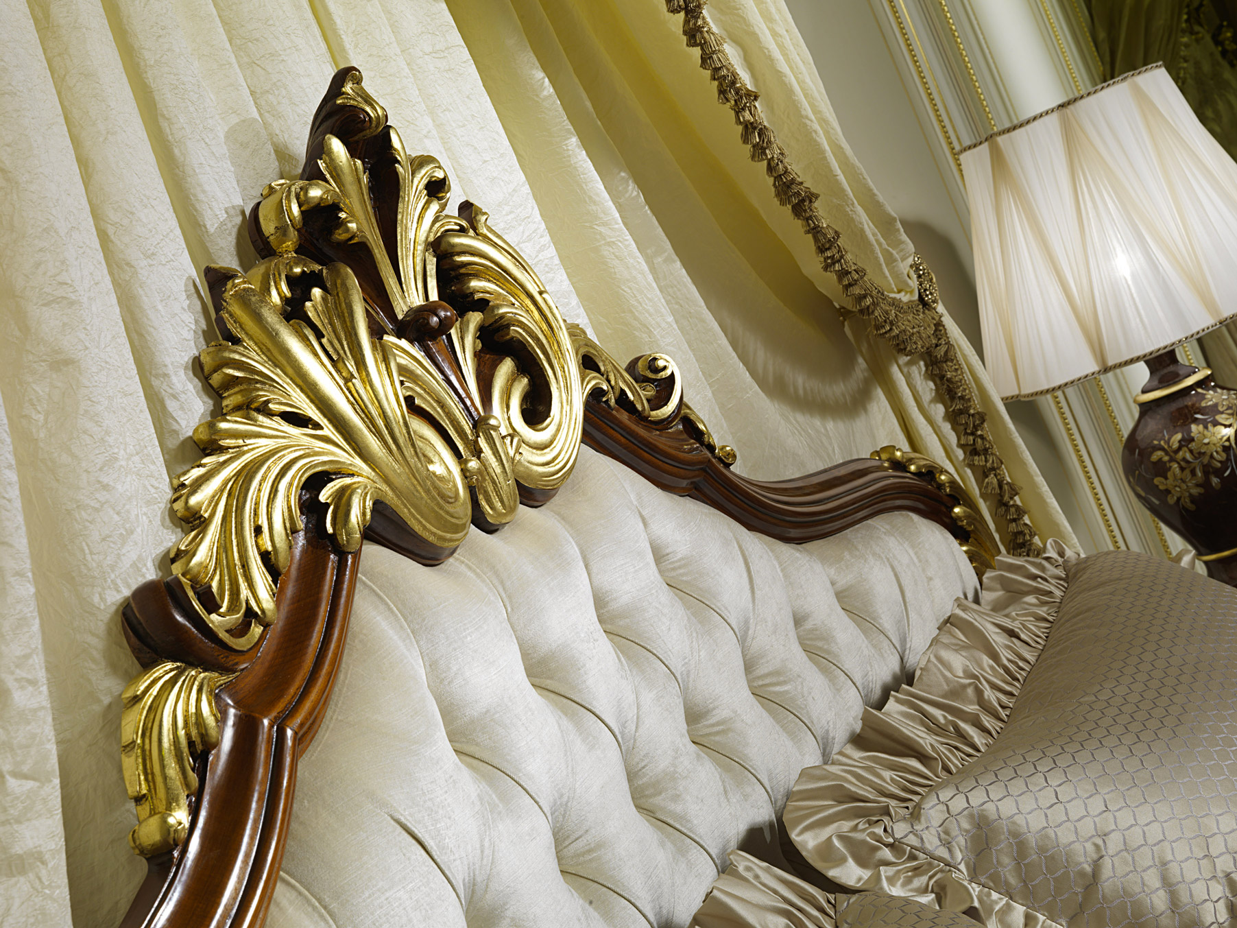 Elegant headboard of the classic bed louis xv france for Art decoration france