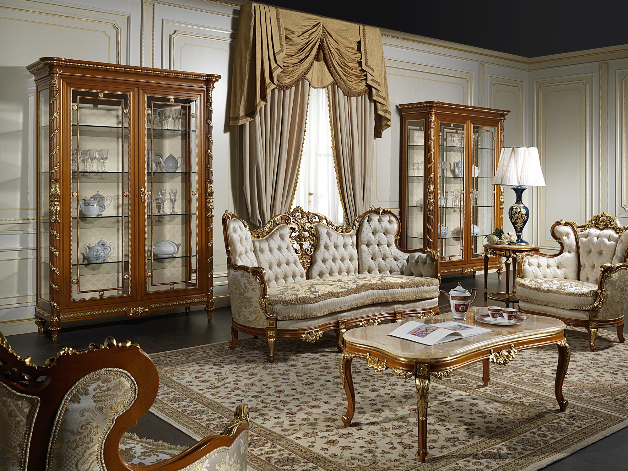 Luxury living room 800 vimercati classic furniture for Exclusive living room furniture