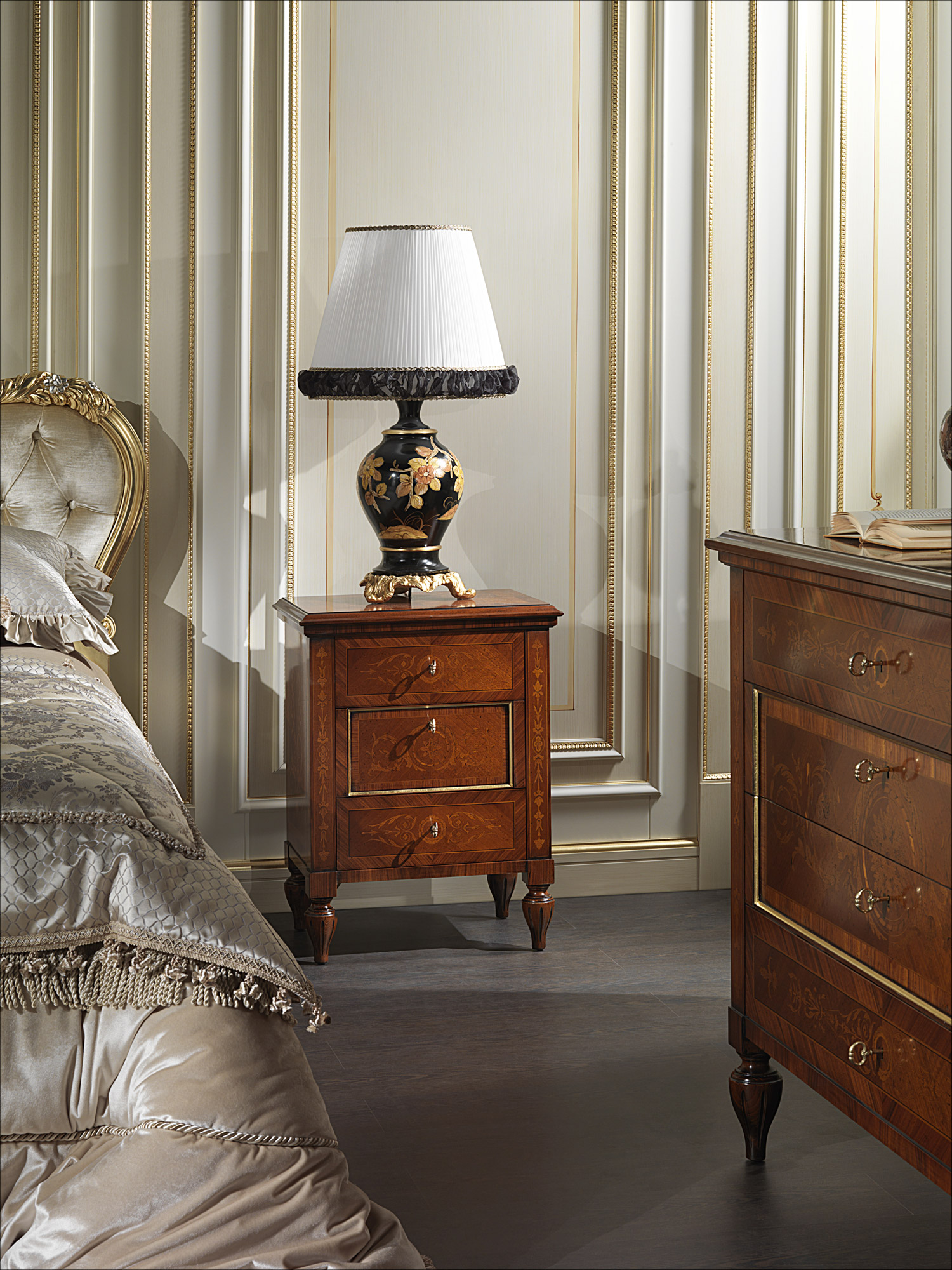 Comodino classico intarsiato Maggiolini 925  Vimercati Classic Furniture