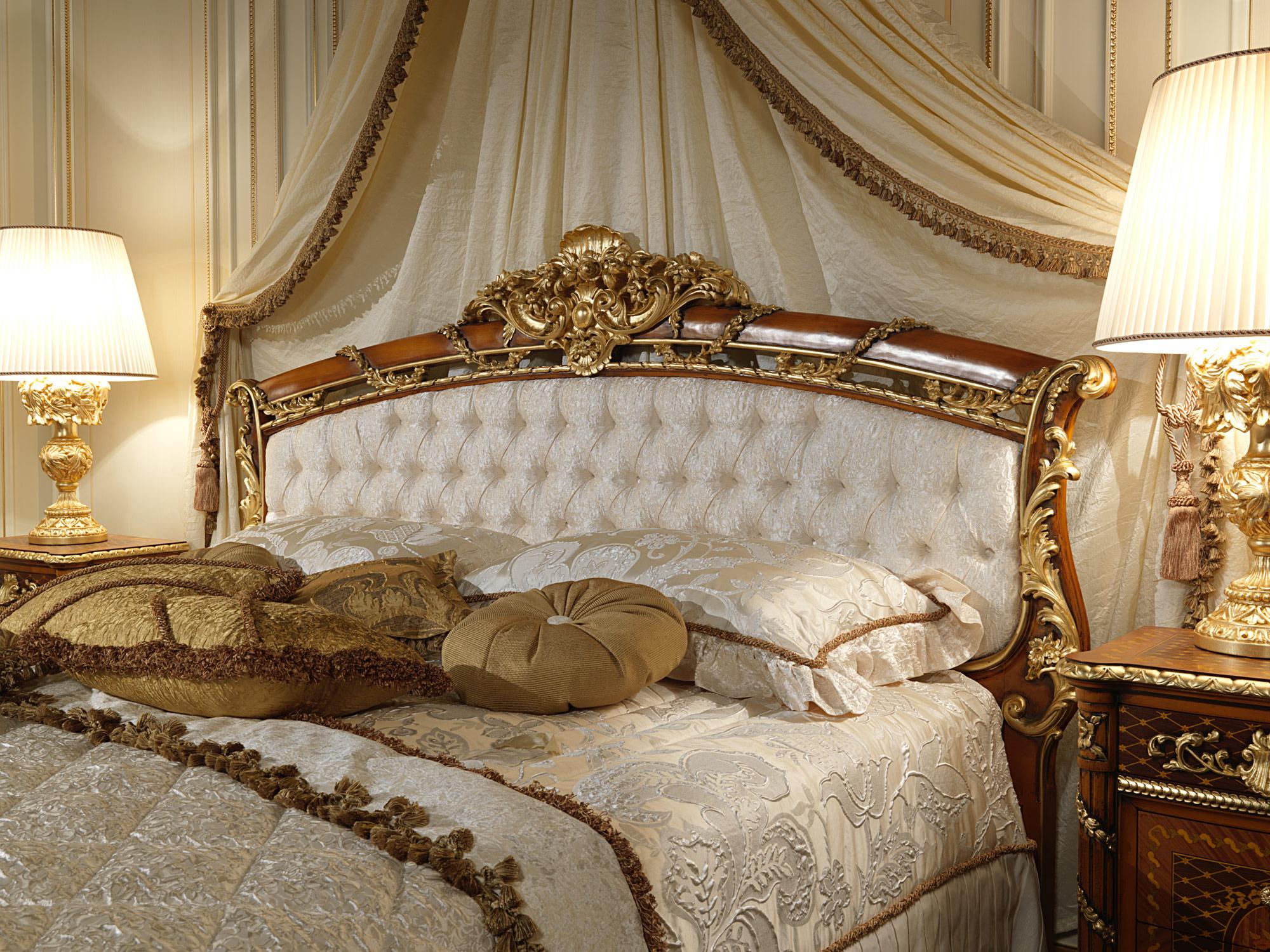 Classic Bed With Headboard In Walnut Art 2011 Vimercati