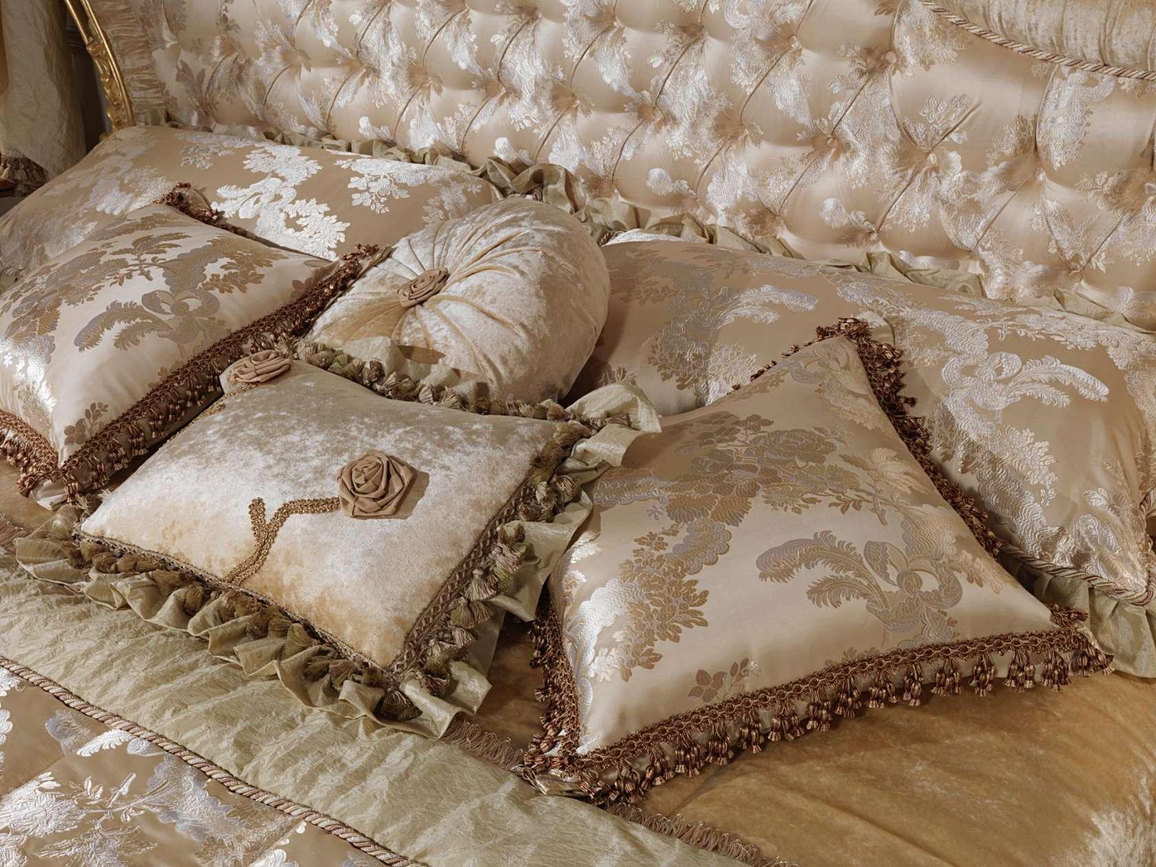 Cuscini Classici.Silk Cushions Vimercati Classic Furniture