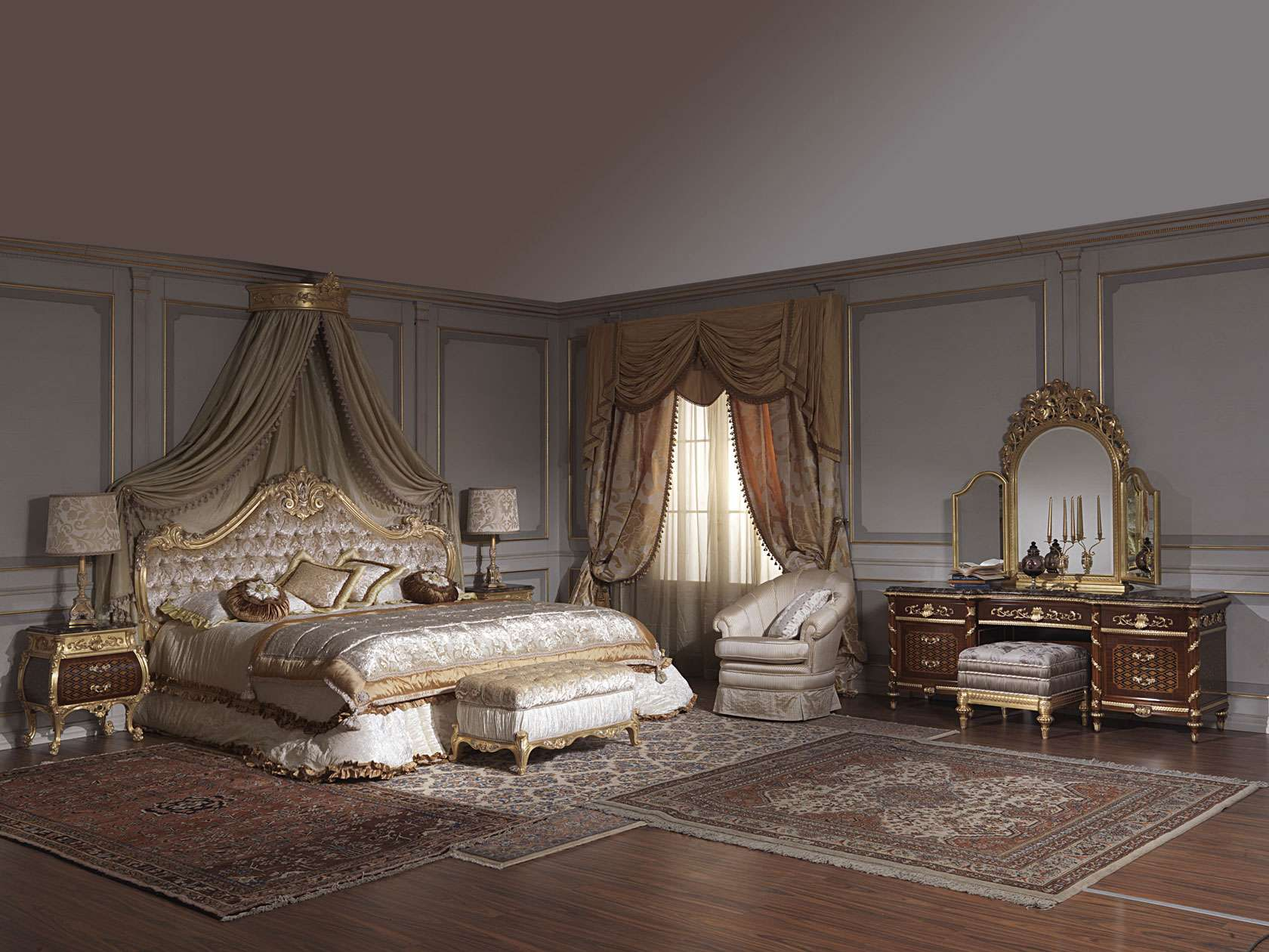 Classic bedroom italian 18th century and Louis XV ...