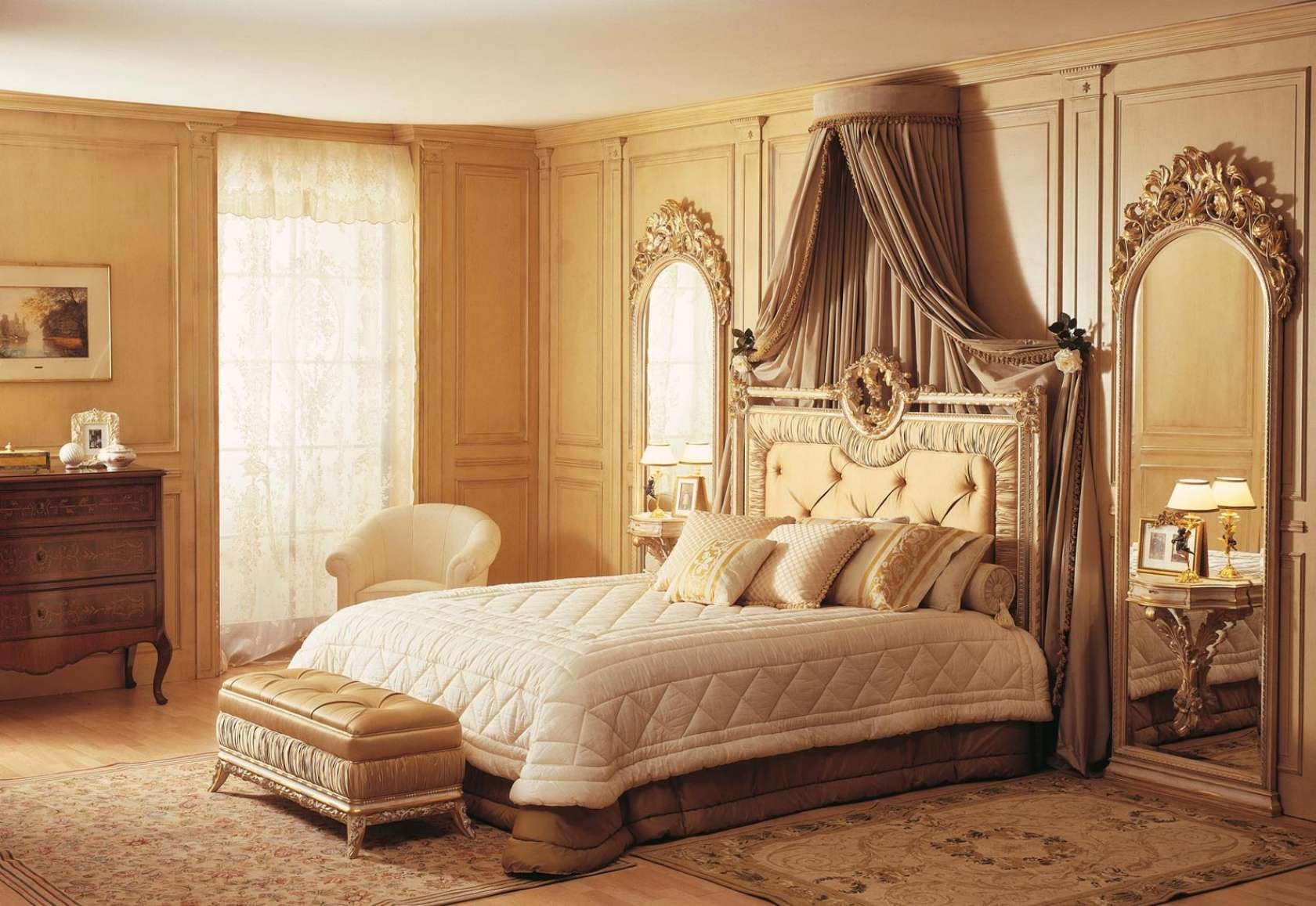 Classic bedroom furniture Louvre