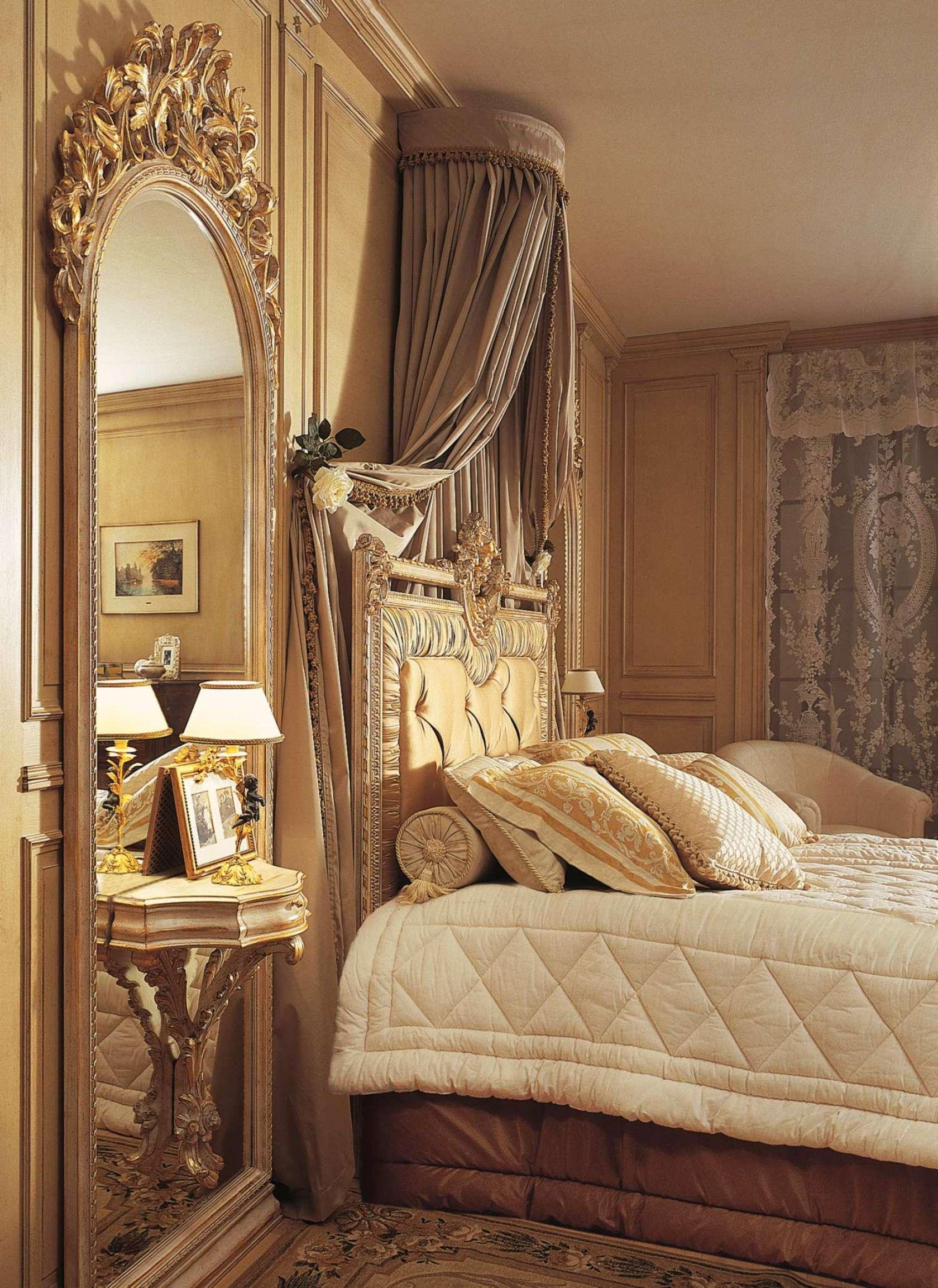 Miroir de chambre a coucher for Chambre a coucher en blanc