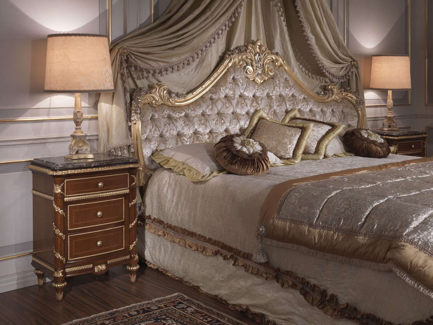 classic bedroom italian 18th century bed cherry wood. Black Bedroom Furniture Sets. Home Design Ideas