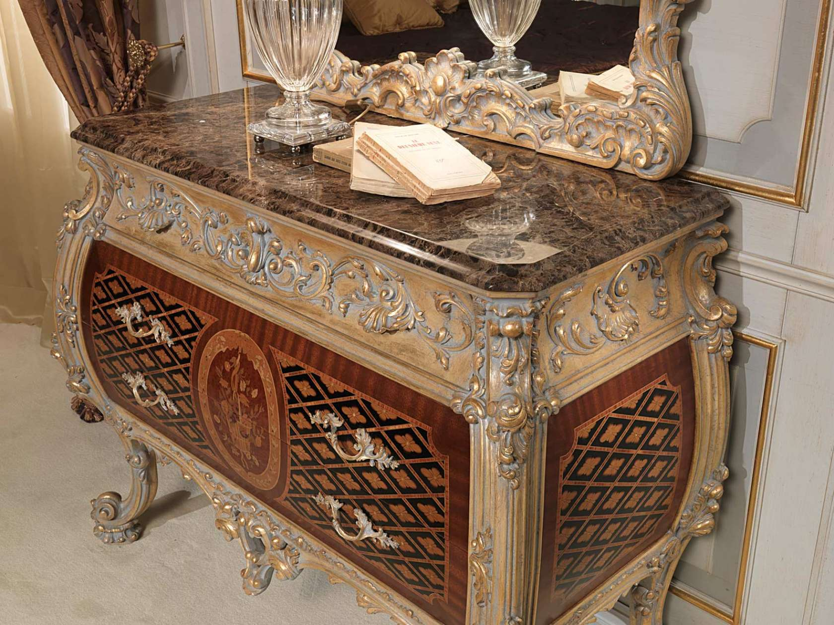 commode classique louis xv vimercati classic furniture. Black Bedroom Furniture Sets. Home Design Ideas