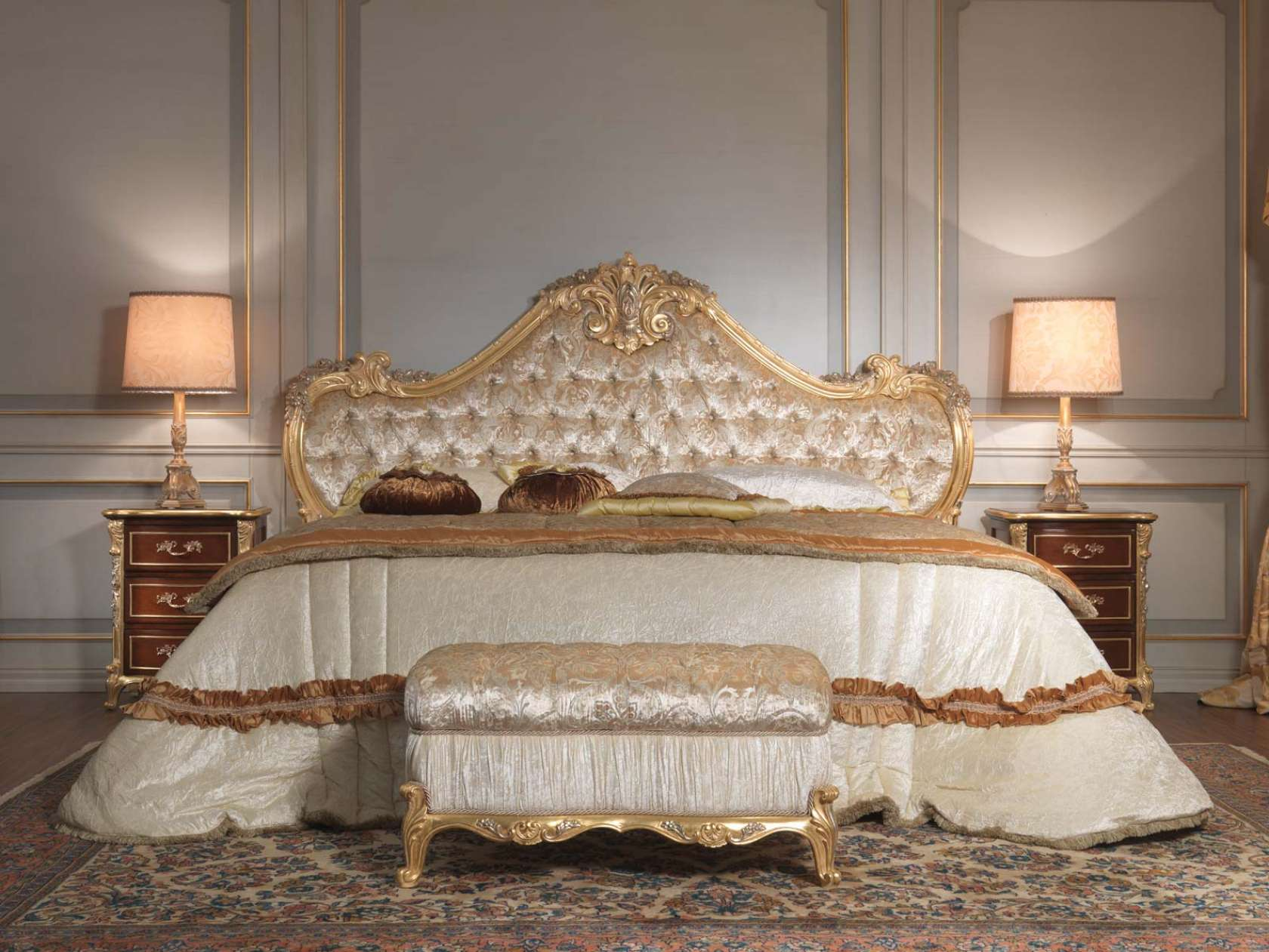 Classic italian bedroom 18th century, bed, bench, night table ...