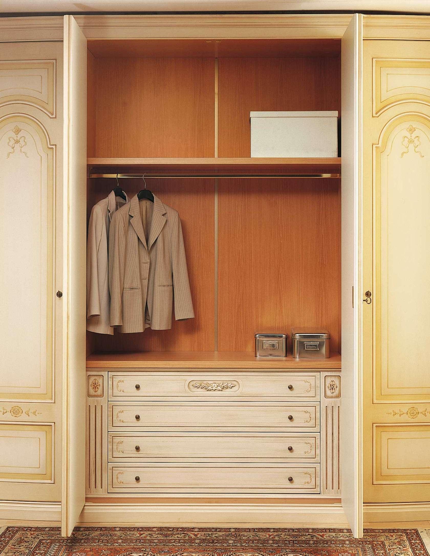 Classic Wardrobe Canova, Carved Internal