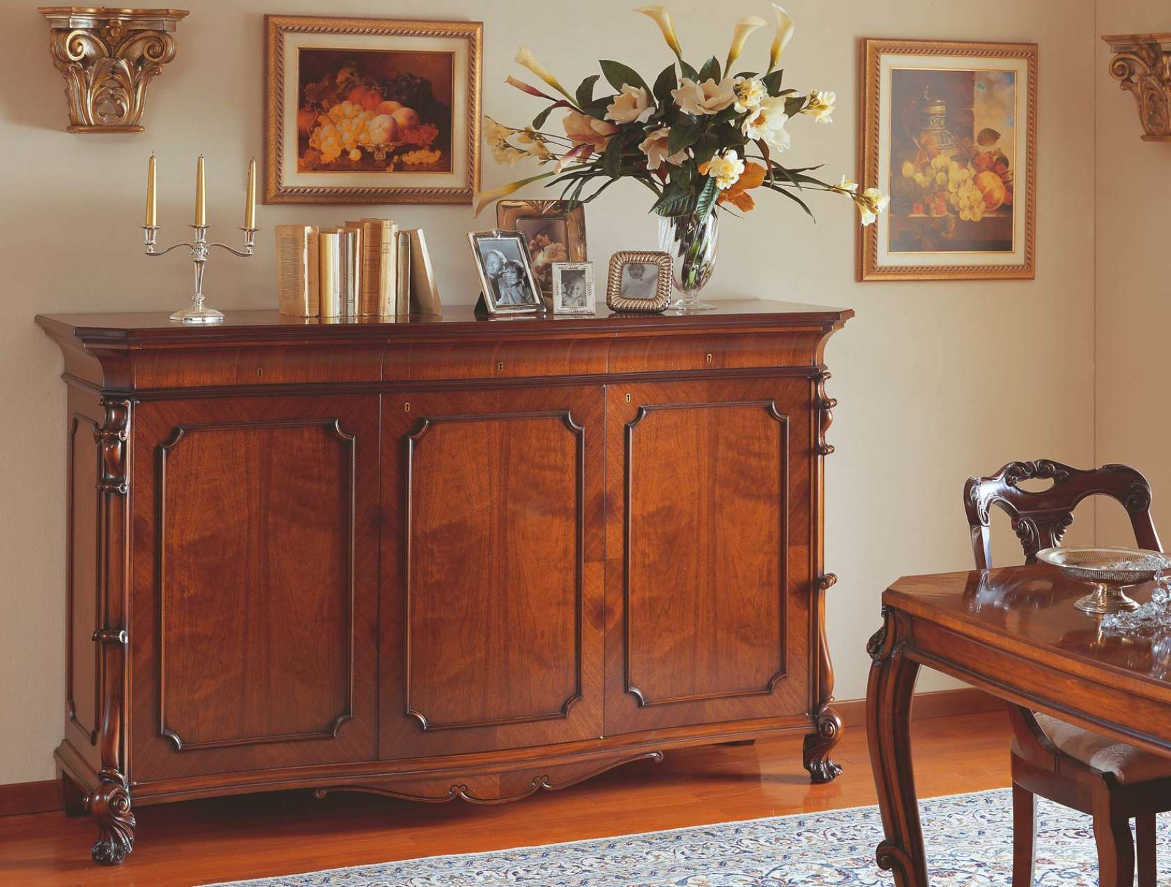 18th century Siciliano style sideboard Vimercati Classic Furniture
