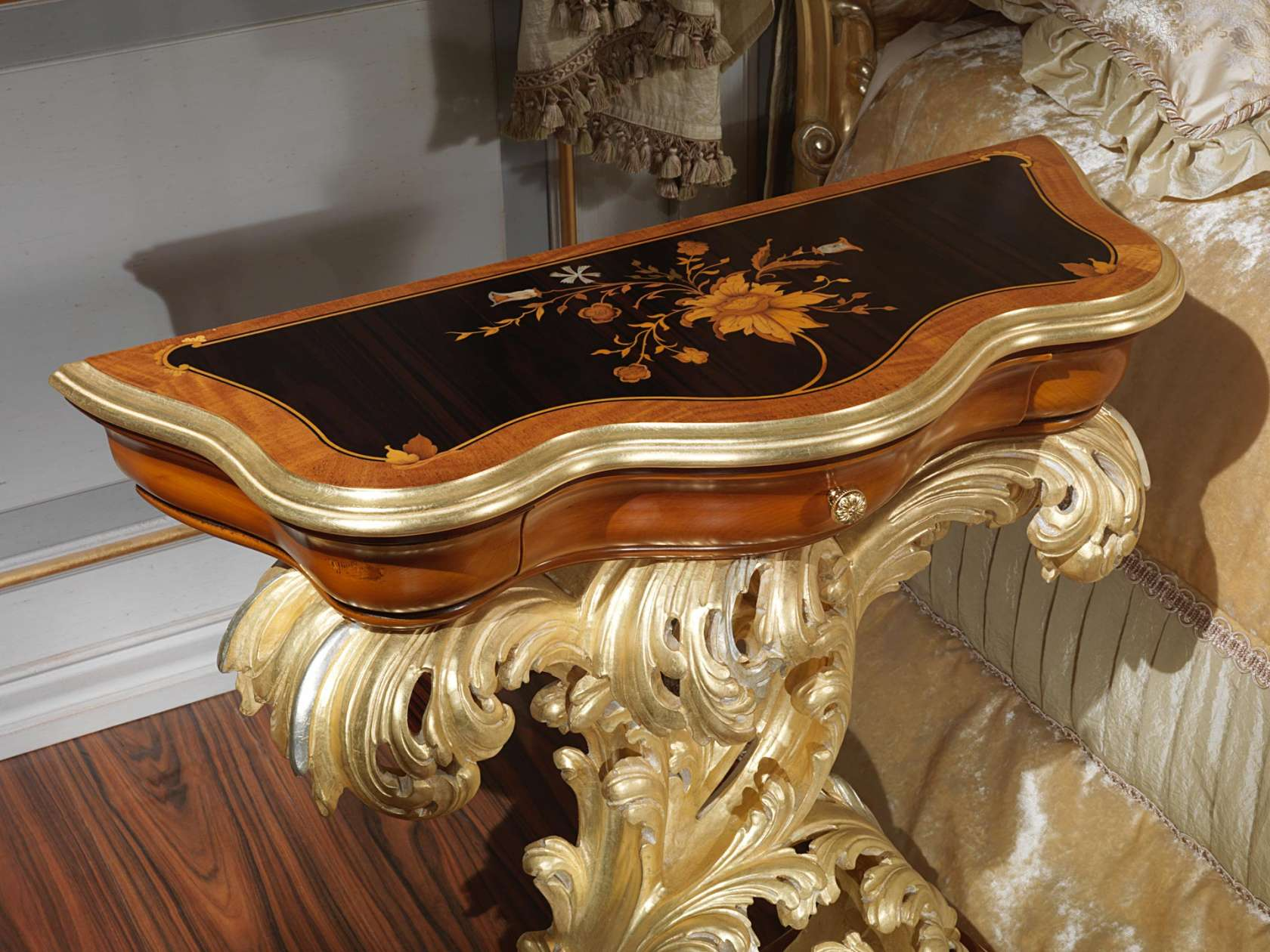 Inlaid night table baroque style vimercati classic furniture for Salle a manger style baroque