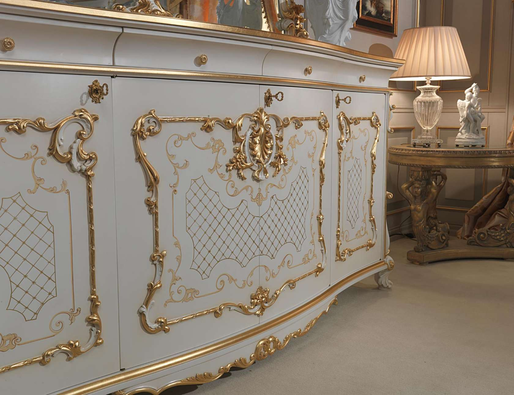 Ordinaire Carved Sideboard Venice In Louis XV Style