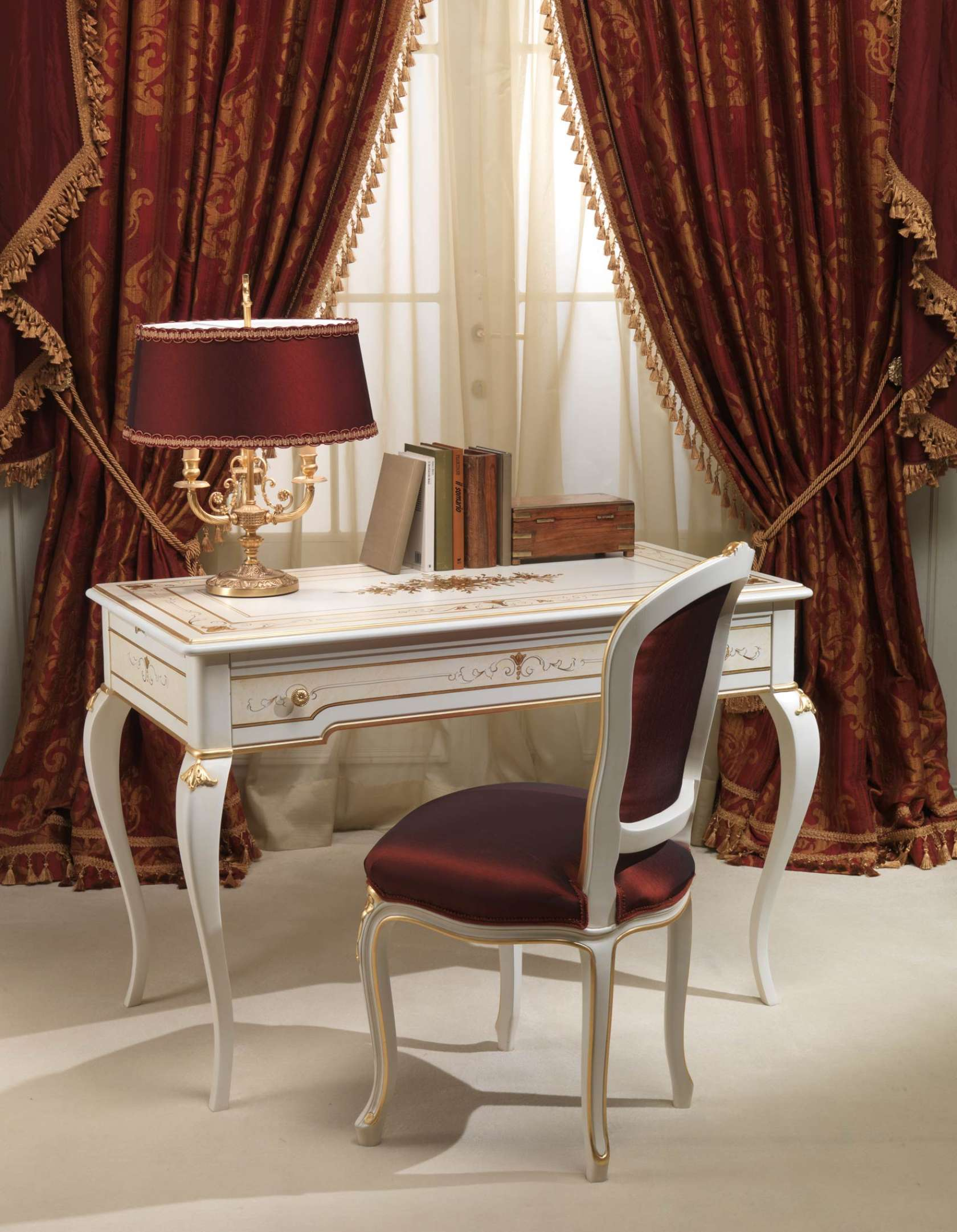 Classic Rubens 18th Century French Style Bedroom Desk And Chair