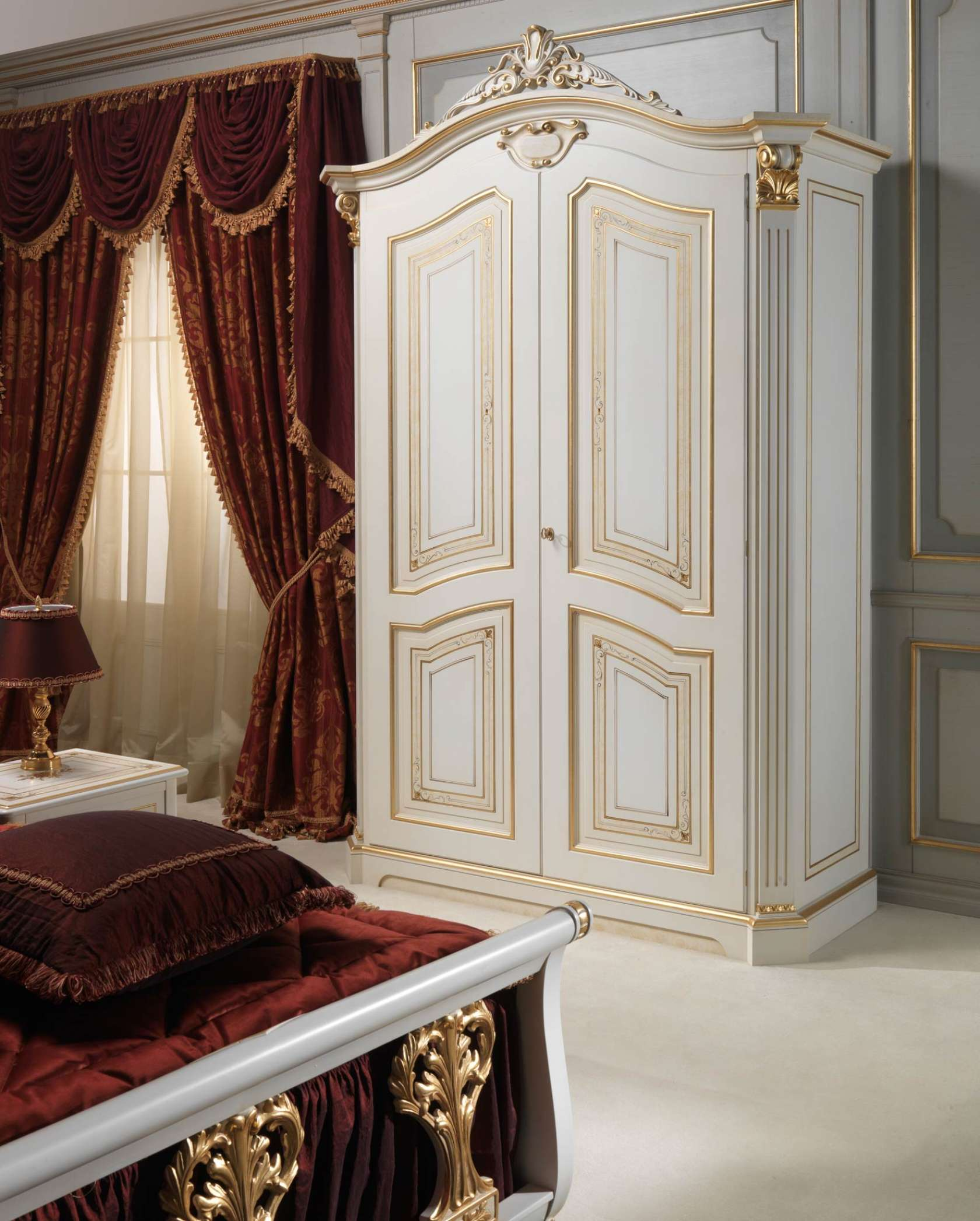Chambre coucher classique rubens dans le style du xviiie for Chambre in french