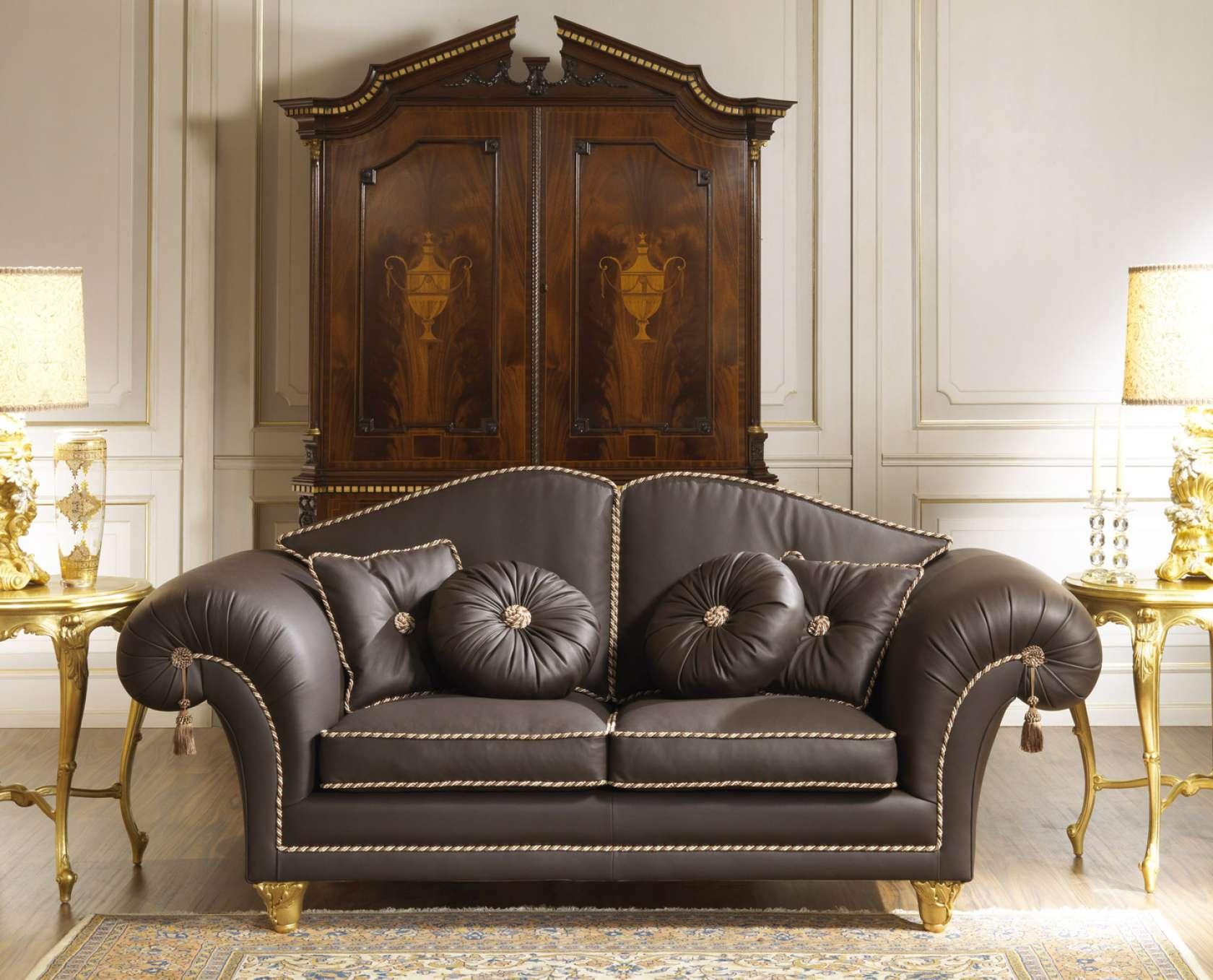 Divani Classici Di Lusso Pelle.Divano In Pelle Per Salotto Di Lusso Vimercati Classic Furniture