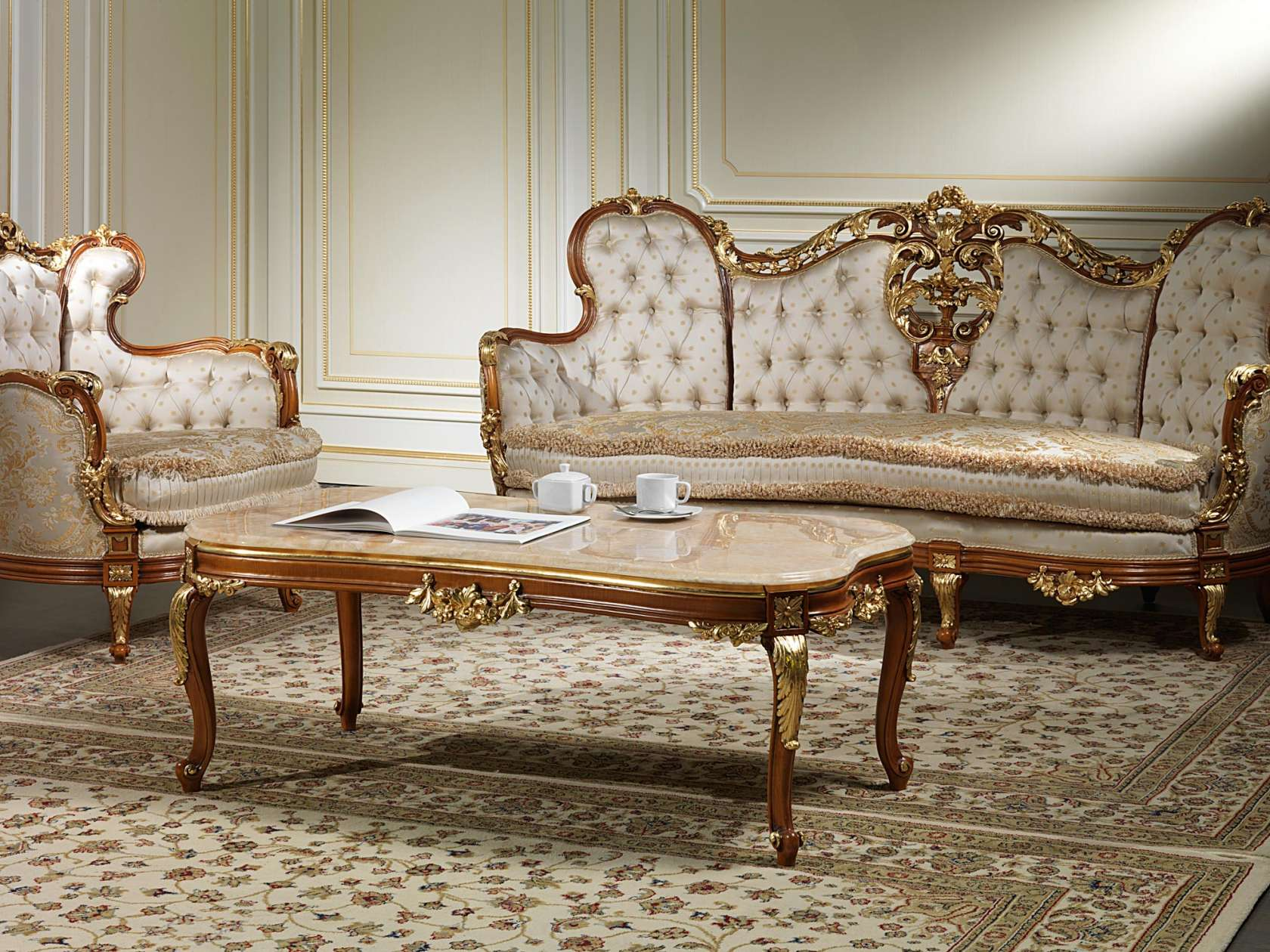 Sofas 800 artisan production, and in classic luxury style ...