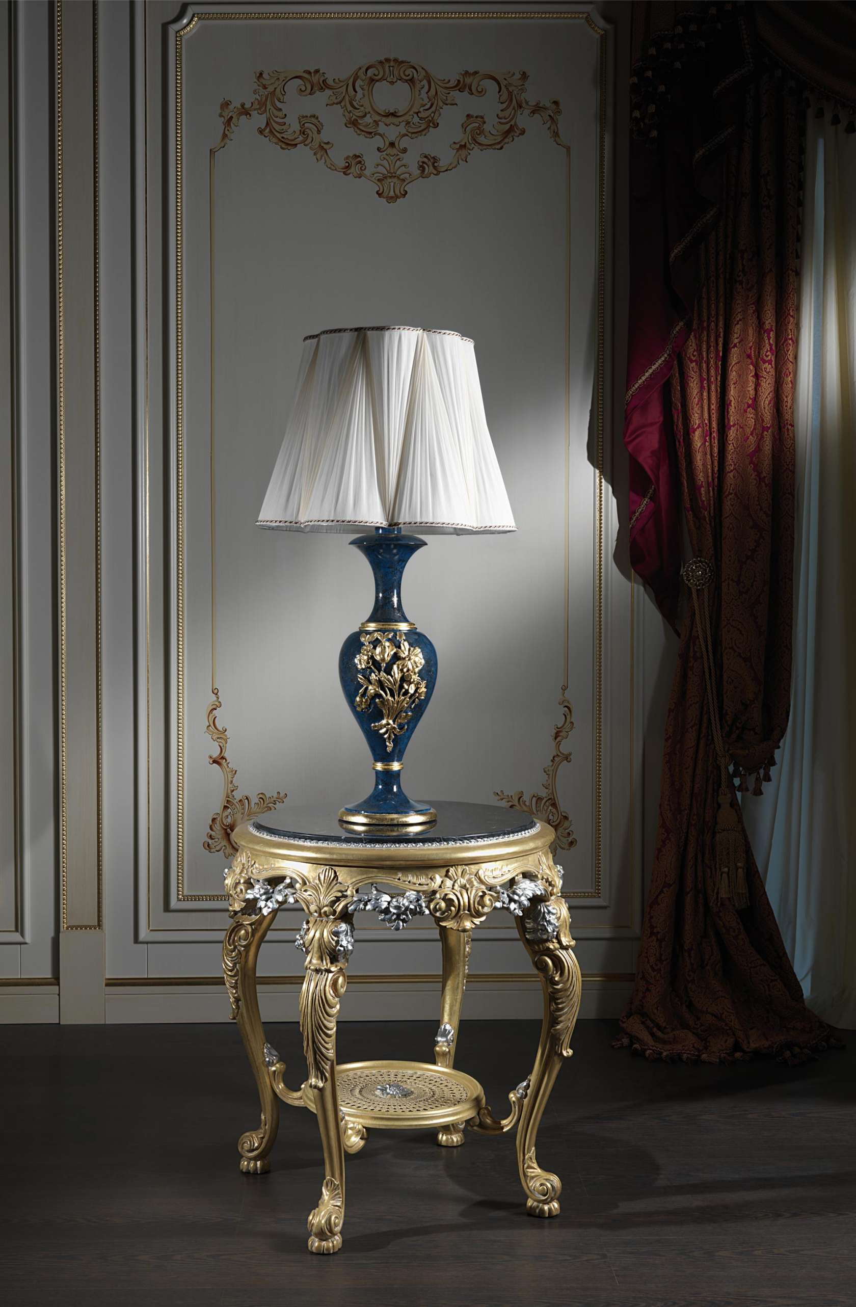 Lacquered classic lamps made in italy vimercati classic for Arredi classici