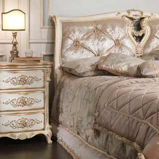 Luigi XVI style bed and night tables