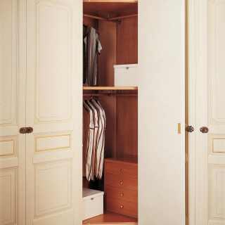Modular classic wardrobe with corner element, wooden interiors