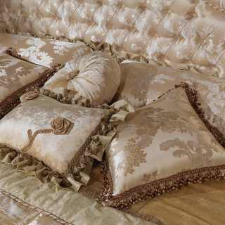 Silk cushions with luxury trimmings, all silk lampas
