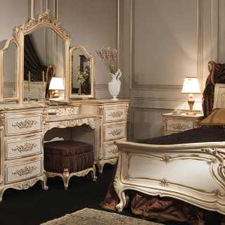 Classic bed and dressing table Luigi XVI style