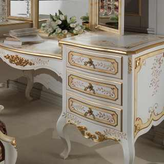 Classic dressing table, Louvre collection of luxury classic furniture. Patinated ivory finish and gold details. Handmade in Italy