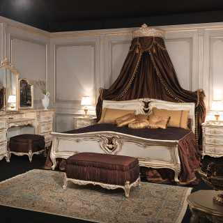 Luigi XVI bed with wall tester and dressing table