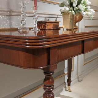 Classic walnut console-table extensible till cm 260 with 4 extensions, with wheels. Detail