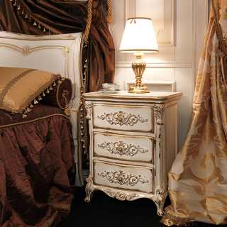 Classic bed and night table Luigi XVI style