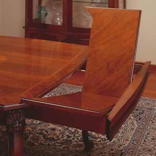 Classic dining room: walnut table 700 siciliano style