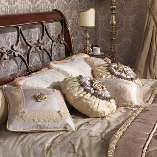 Classic bed 700 italiano style, walnut finish. Handmade in Italy