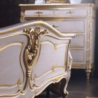 Classic bedroom Luigi XVI style: carved bed and chest of drawers