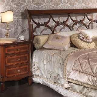 Classic bedroom 700 italiano style. Walnut bed and inlayed night table