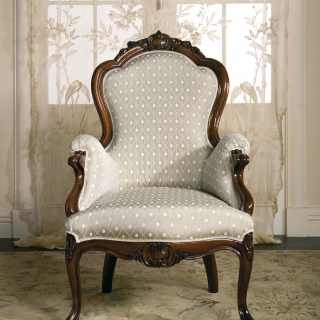 Classic collection Carlotta. Carved armchair, wood and white fabric finish. Made in Italy