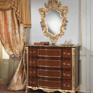 Classic luxury bedroom 700 italiano: cherrywood chest of drawers, gold and silver leaf carvings; carved wall mirror, gold and silver leaf finish