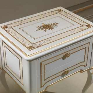 Classic luxury bedroom Rubens, 700 francese style: lacquered and gold night table with flower decorations
